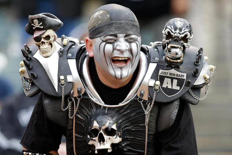 nfl franchise relocations oaklnad raiders fan
